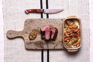 Prato de 20 minutos: Bife clássico com abóbora menina e assado de couve-flor