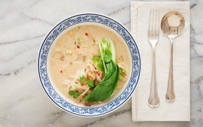 Prato de 20 minutos: Sopa de macarrão e frango empanado no coco