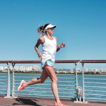 Débora Azulay, médica e corredora, fortalece os músculos na BODYPULSE
