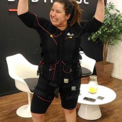 Mariana Xavier usa a eletroestimulação para Dança dos Famosos