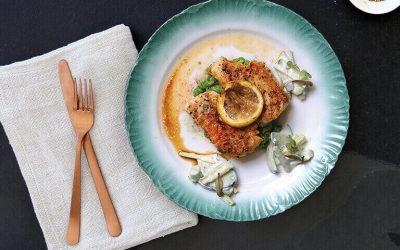 Filé de pescada com ervilha, salada de pepino e erva-doce